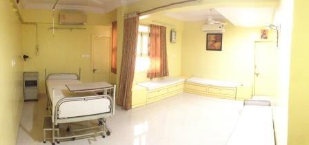 Manidhari Hospital Premium Room Facilities